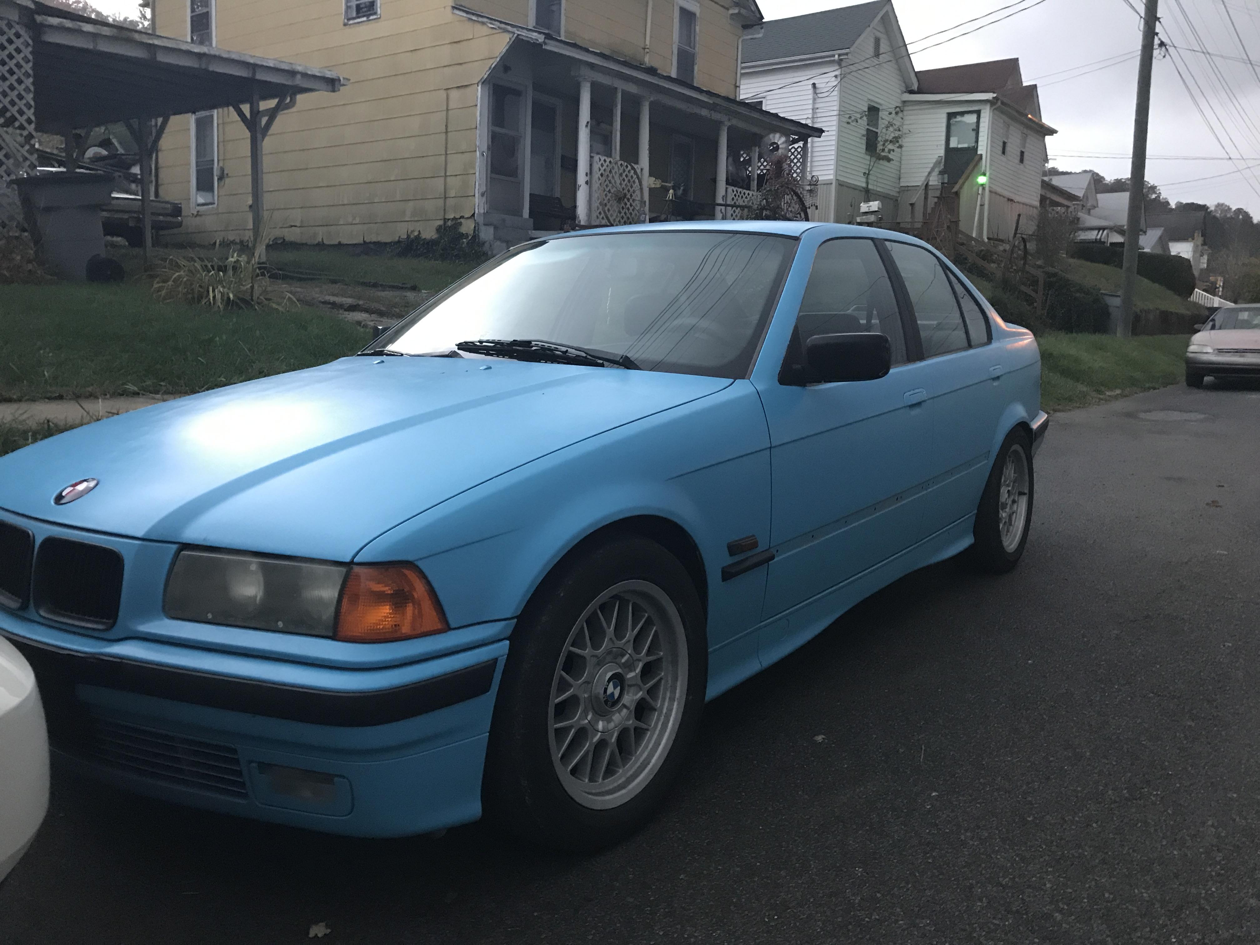 Paint BMW 325i back black
