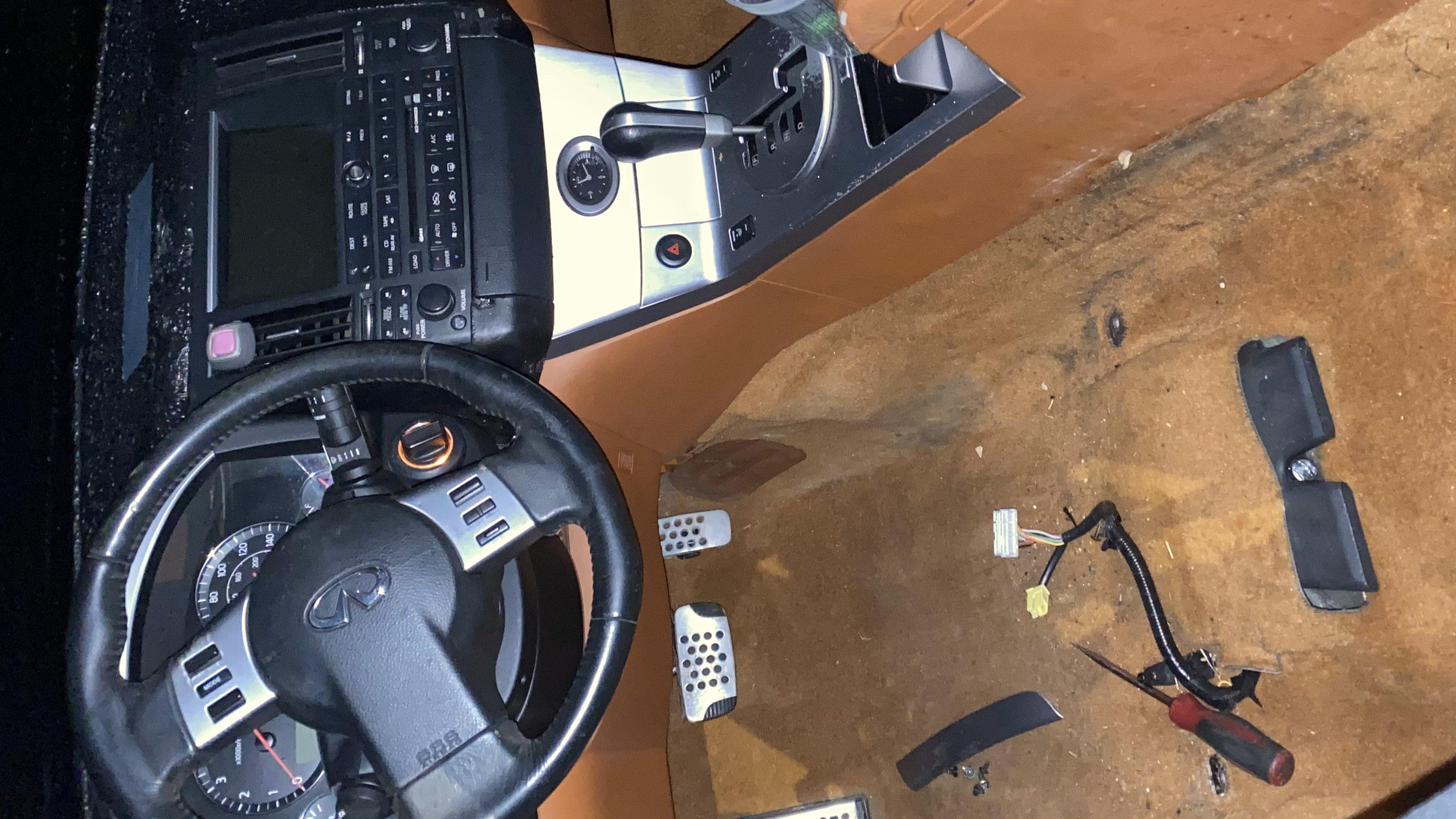 Fx35 interior