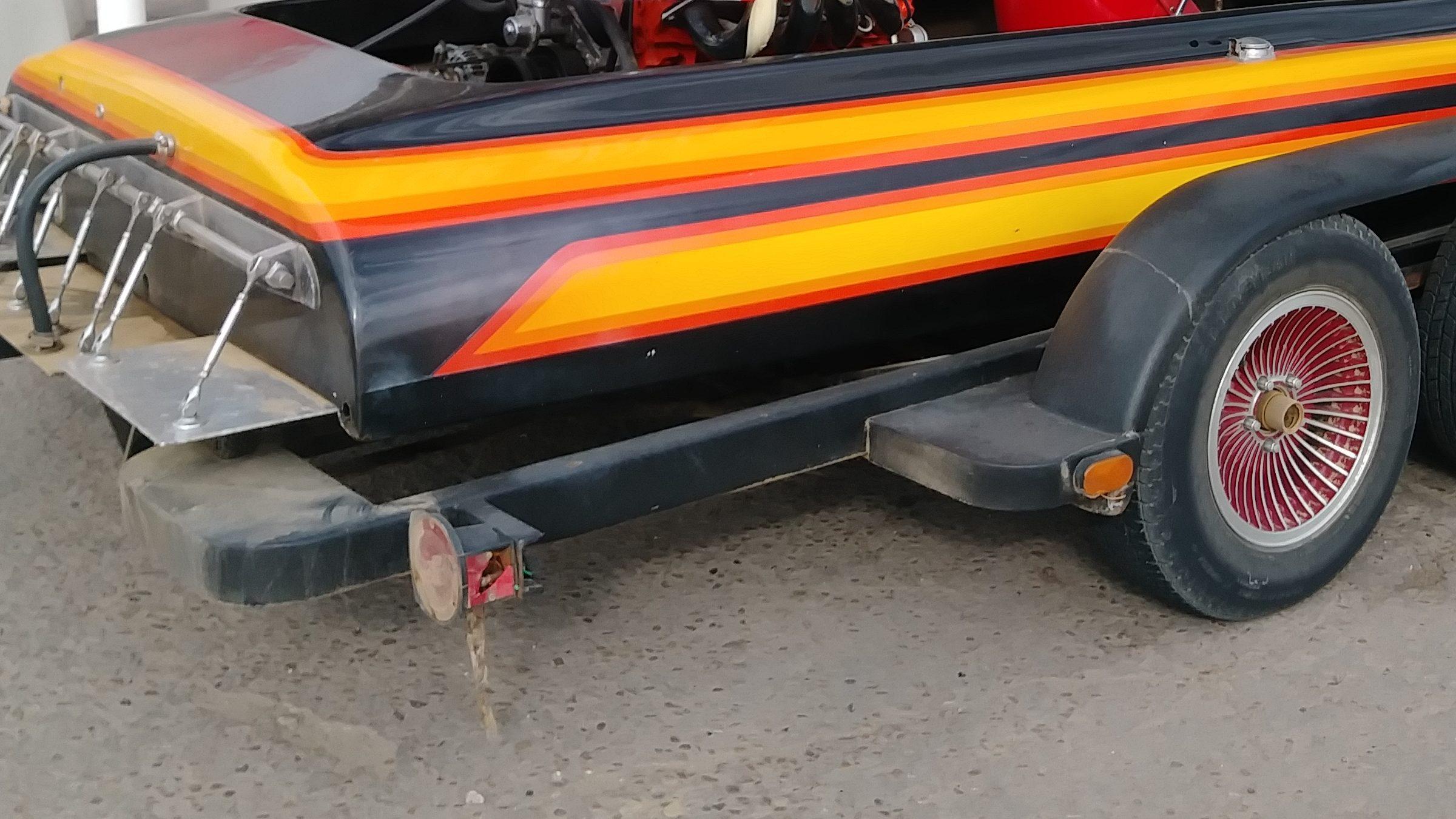 Hondo Runner-bottom drag boat