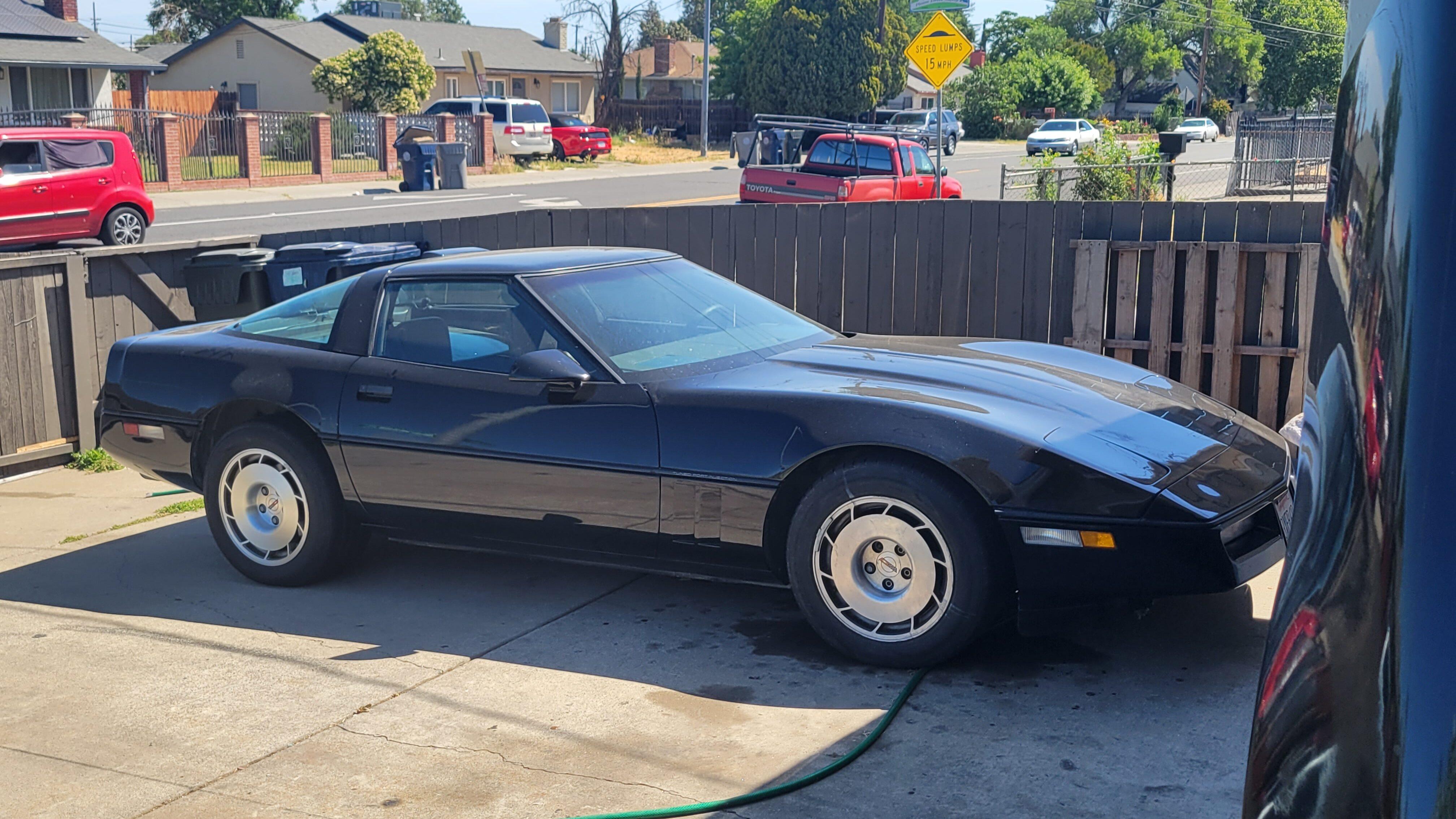 1986 chevrolet corvette c4 black